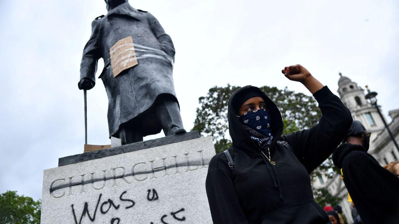 Un manifestante en las protestas antirracistas de Londres (Reuters)