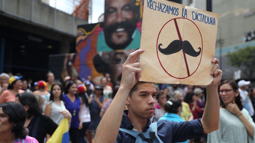 Foto: Opositores venezozalos se manifiestaN contra Nicolás Maduro en Caracas.