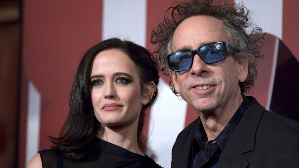 Foto: Tim Burton junto a Eva Green en el estreno de 'Dumbo'. (EFE)