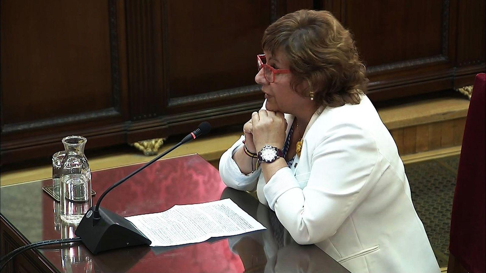 Foto: La 'exconsellera' de Trabajo Dolors Bassa en el juicio del 'procés'. (EFE)