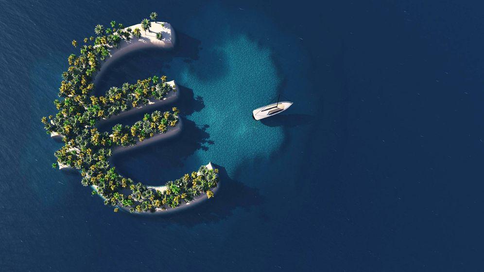 Foto: Isla tropical con forma de euro (iStock)