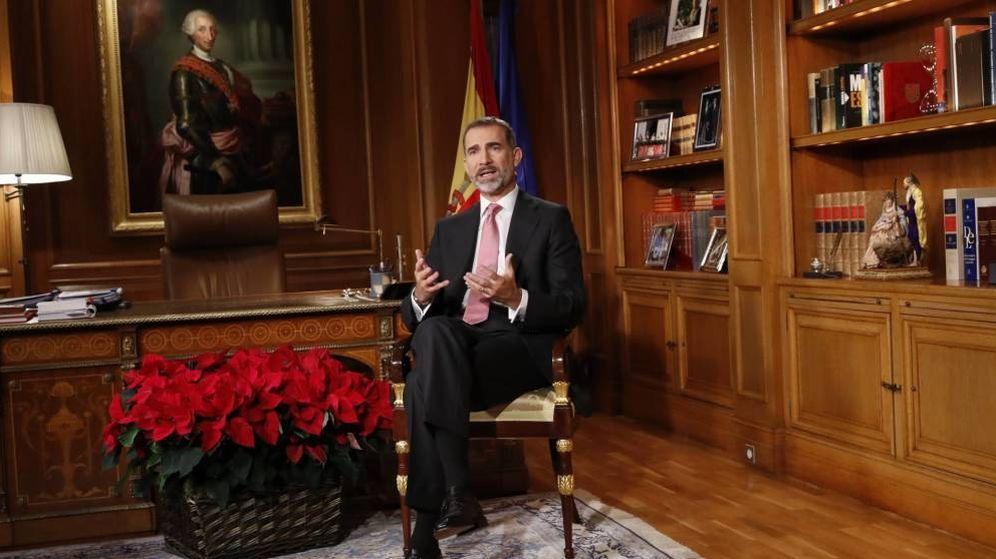 Foto: El Rey, en su despacho, durante el mensaje de Navidad. (Casa Real)