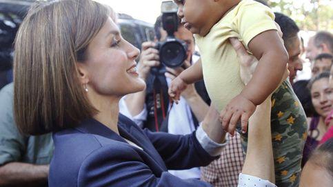 La Reina Letizia le 'copia' unas bailarinas a su hija pequeña, la infanta Sofía