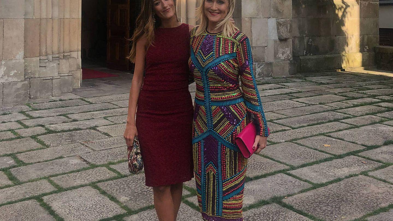 Cristina Cifuentes y su hija, en la boda del año pasado en La Coruña. (Redes)