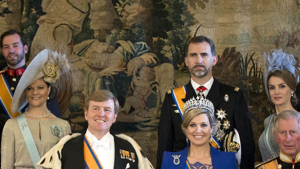 El 'look coronación' de Máxima de Holanda y Matilde de Bélgica