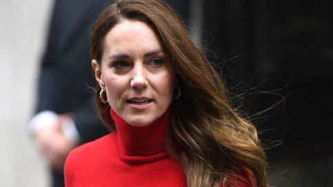 Kate Middleton y su impactante look en rojo, con guiño español y solidario