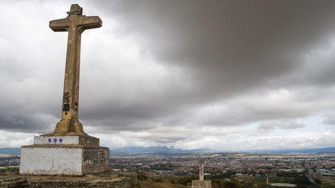 Quince localidades vascas aún conservan símbolos franquistas (y sus 200 distintivos)