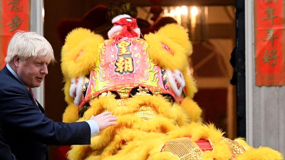 Foto: Foto de archivo de la celebración del Año Nuevo chino frente a Downing Street. (Reuters)