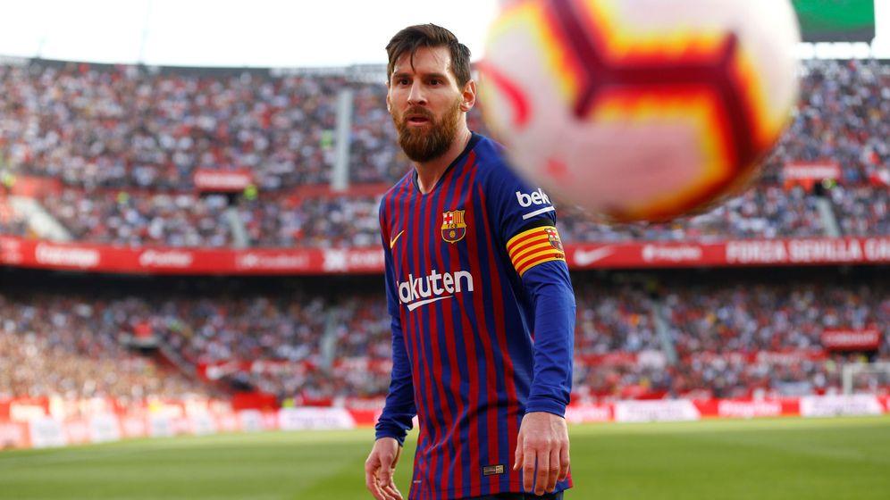 Foto: Messi, en un partido ante el Sevilla (Reuters)