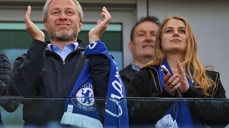 El dueño del Chelsea, Roman Abramovic, y su hija Sofía. (EFE)