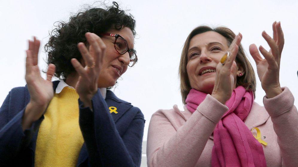 Foto: Marta Rovira (i), en un acto electoral de ERC en Badalona. (EFE)