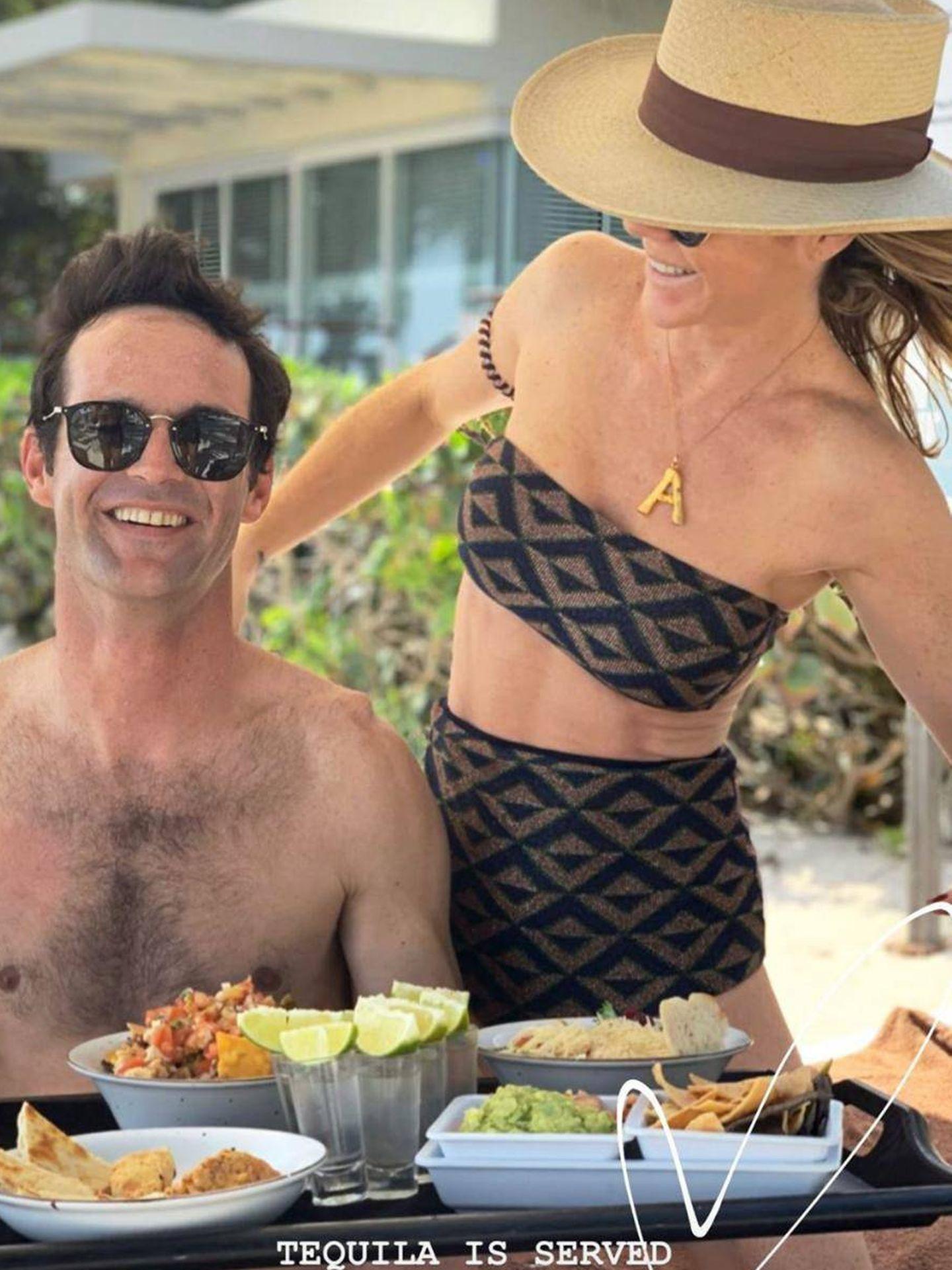 Amelia y José Bono, juntos en el hotel de la Riviera Maya. (Instagram)