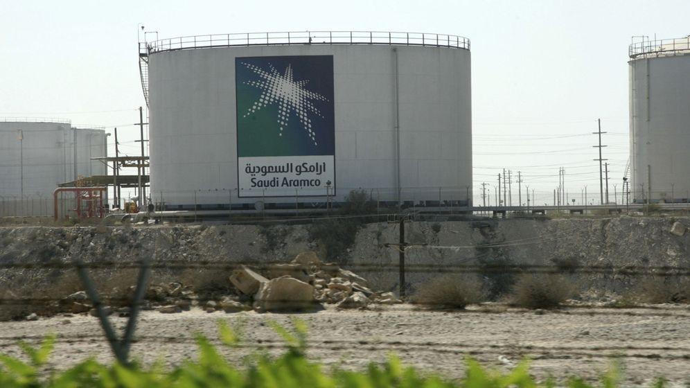 Foto: Tanque de almacenamiento de petróleo de Saudi Aramco. (Reuters)