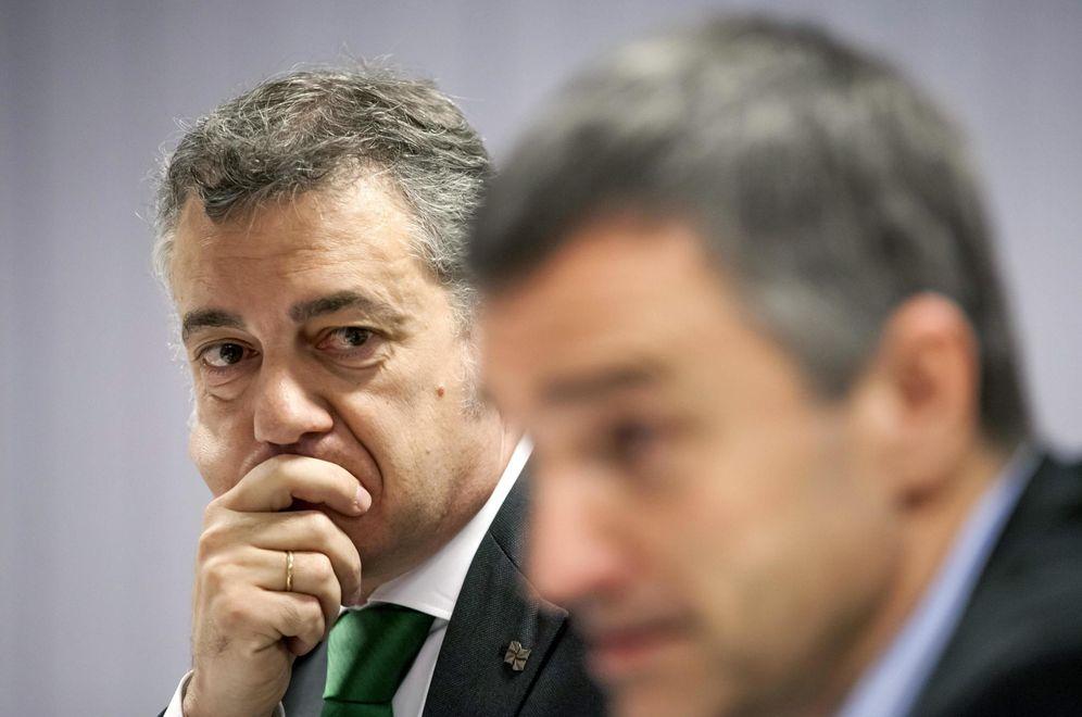 Foto: El lehendakari Iñigo Urkullu y el secretario general de Convivencia del Gobierno vasco, Jonan Fernández. (EFE)