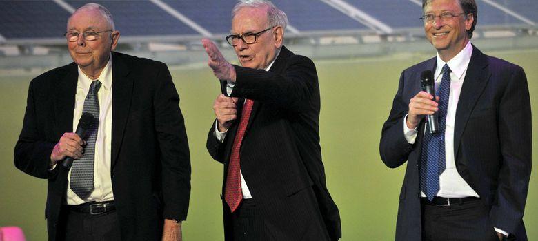 Foto: Charles Munger y Warren Buffett, dos lectores insaciables y exitosos inversores. (Efe/Han Mei)