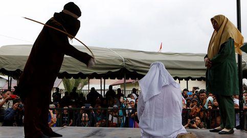 Dos mujeres azotadas en Malasia por intentar mantener relaciones lésbicas