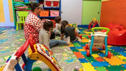Científicos alertan de que 20 niños en clase generan contacto con 800 personas en 2 días