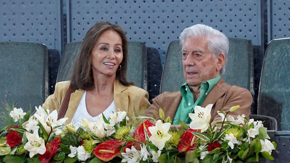 Vargas Llosa e Isabel Preysler, acaramelados en el tenis