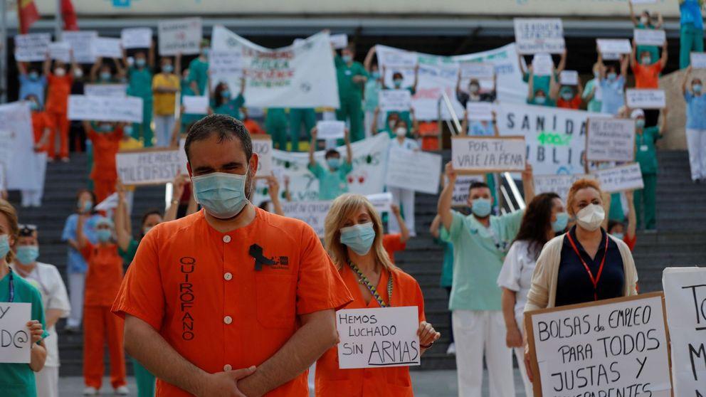 Sanitarios salen a las puertas de los hospitales para denunciar la precariedad