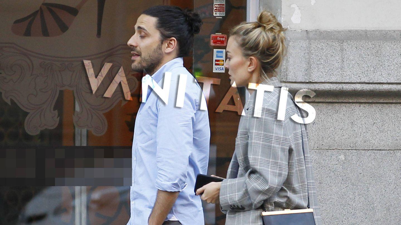 Carlos Torretta y Marta Ortega pasean por su nuevo barrio. (Vanitatis)