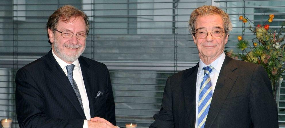 Foto: Juan Luis Cebrián y César Alierta, en una imagen de archivo. (Efe)