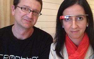 Dos españoles, legos tecnológicos, crean un mando para Google Glass