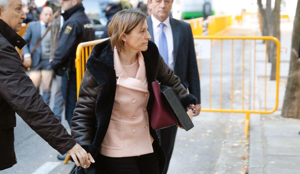 Foto: La presidenta del Parlament, Carme Forcadell, a su llegada al Tribunal Supremo. (EFE)
