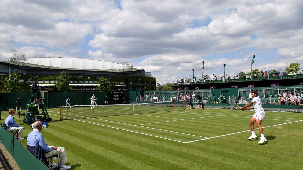 Wimbledon le multa con 50.000 euros por no jugar lo suficientemente bien