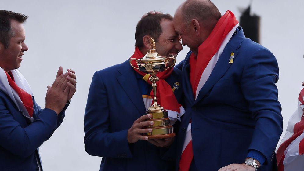 Foto: Sergio García y Thomas Bjorn celebran la victoria. (Reuters)
