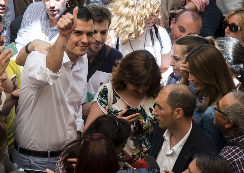 Foto: Pedro Sánchez, durante su mitin de precampaña en Huelva, este 6 de junio. (EFE)