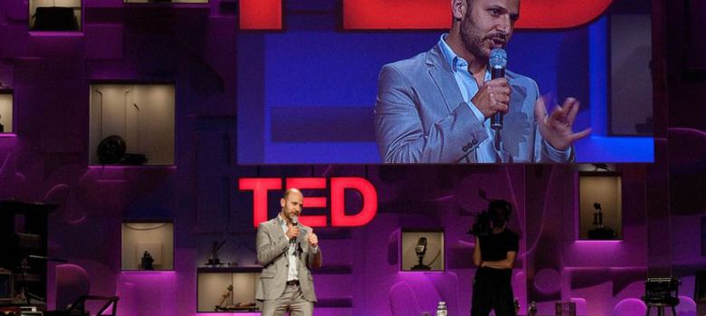 Foto: Mark Boyle, autor del The Moneyless Manifesto, durante una conferencia del Ted Global.
