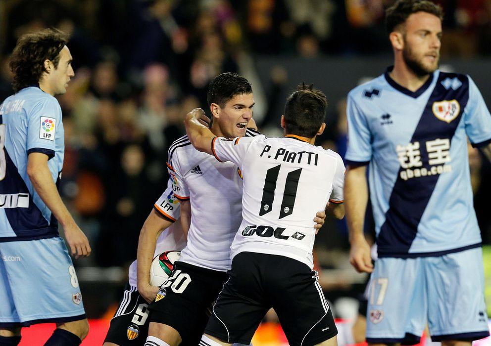 Foto: El Valencia y el Rayo jugaron un gran partido en Mestalla (EFE)