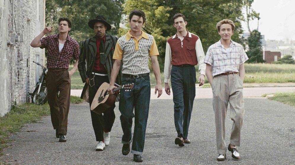 Foto: Los personajes protagonistas de 'Sun Records' con Elvis Presley en el centro.