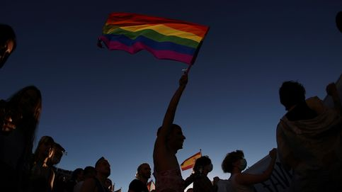 Un Orgullo más político y menos festivo se vuelca con la 'ley trans'
