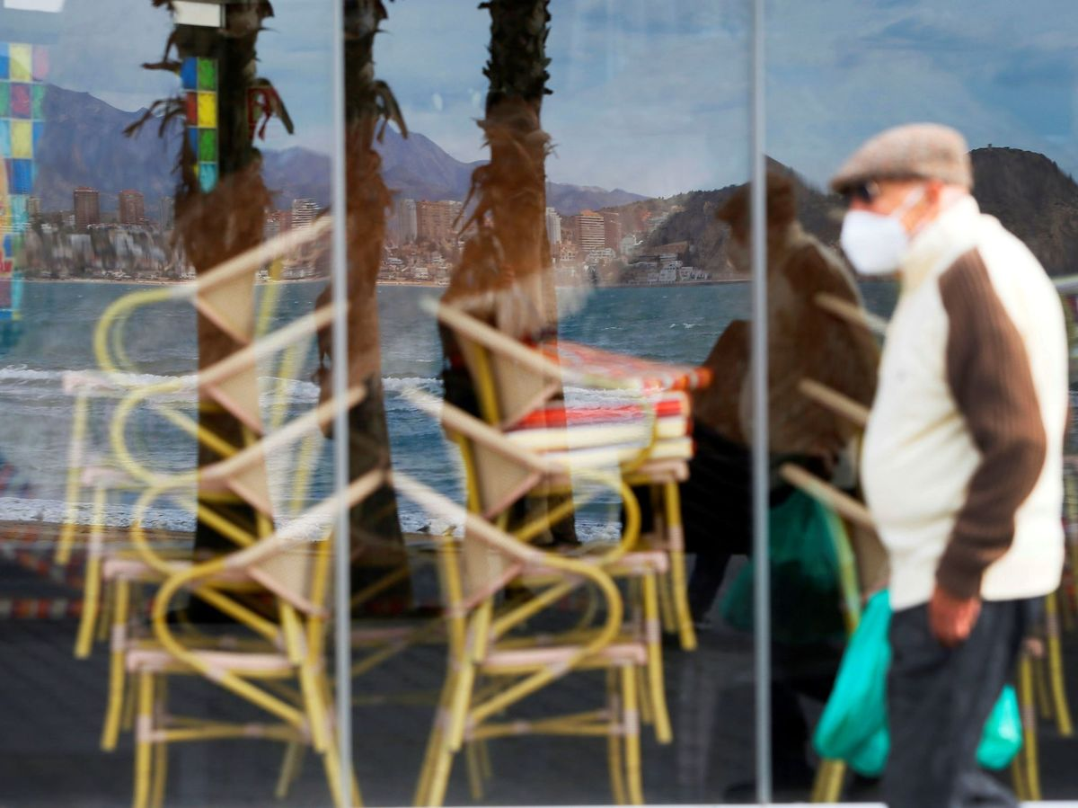 Foto: Fotografía de archivo. Uno de los restaurantes de la playa de Levante de Benidorm. (EFE)