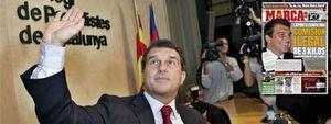 Foto: La imagen que Guardiola consigue en el césped, Laporta la mancha en el despacho