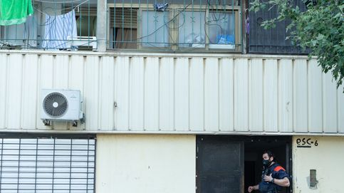 Los Mossos despliegan una macrooperación para capturar a un violento clan familiar en La Mina (Barcelona)