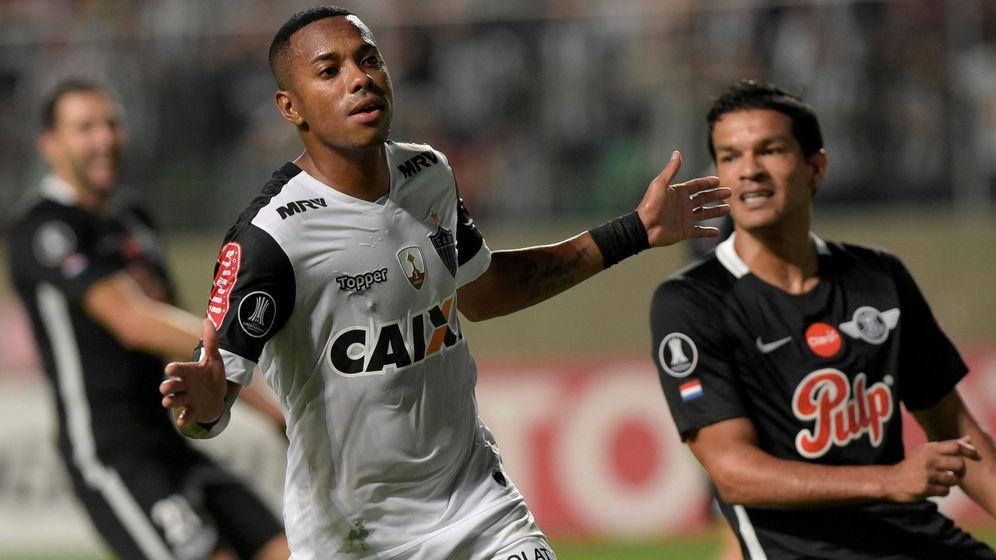 Foto: Robinho, en un partido con el Atlético Mineiro de la Copa Libertadores. (Reuters)