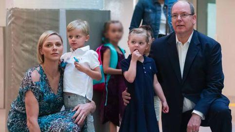 Jacques y Gabriella vuelven al colegio entre rumores de embarazo de Charlène