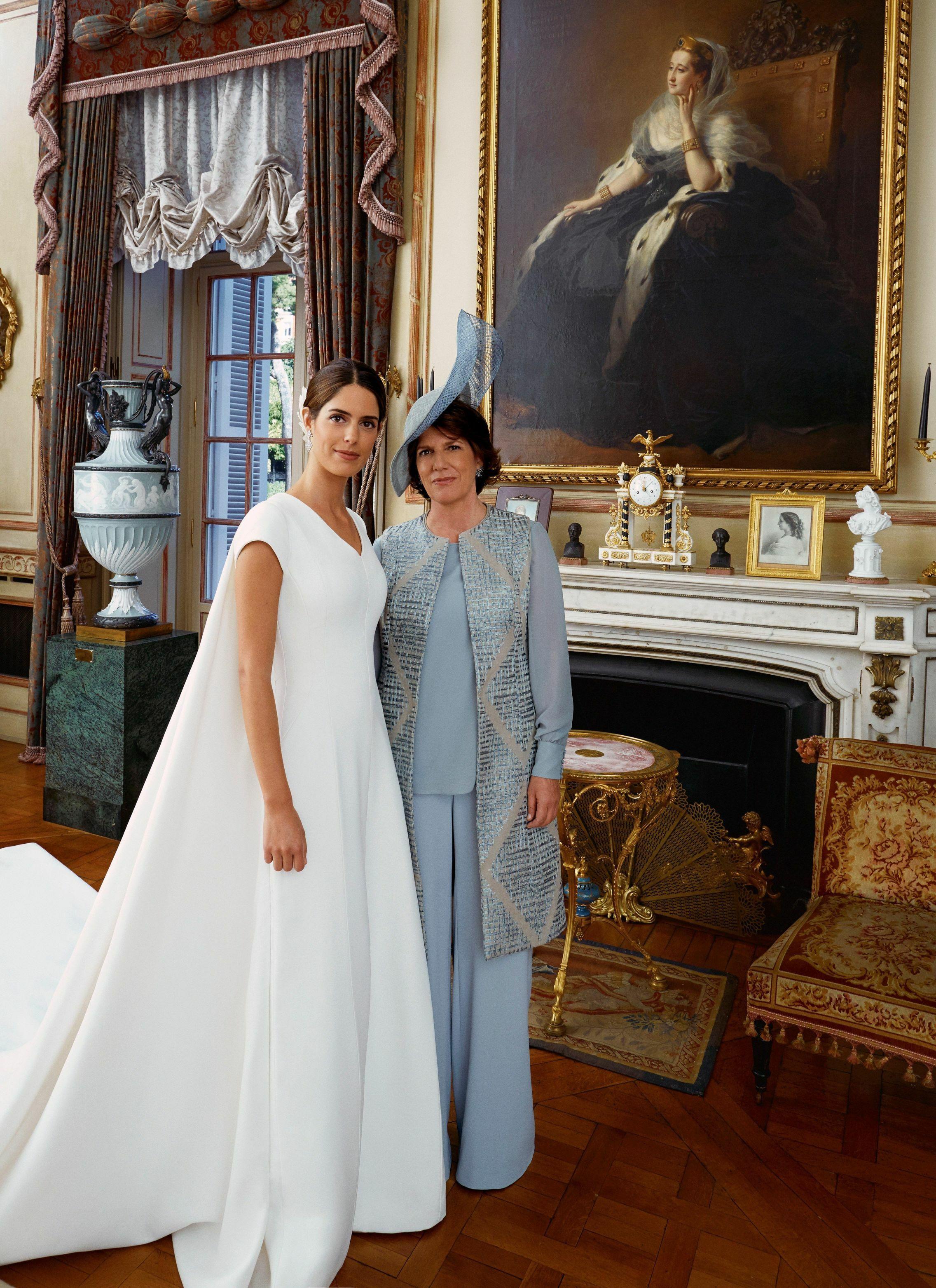 Sofía Palazuelo y su madre, Sofía Barroso, muy elegante. (EFE)