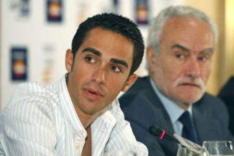 Contador saldrá el cuarto por la cola