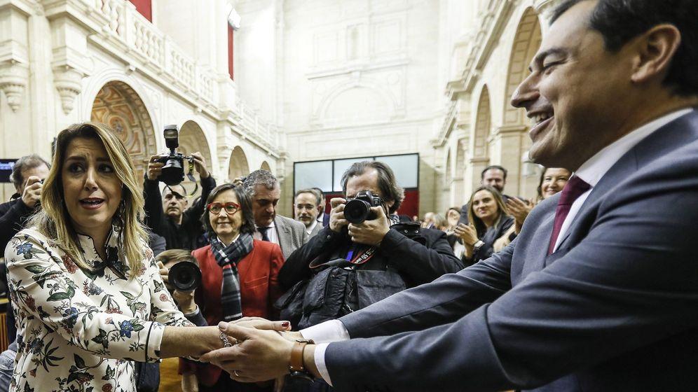 Foto: Susana Díaz, expresidenta de la Junta de Andalucía, y Juanma Moreno, presidente del Gobierno andaluz. (EFE)