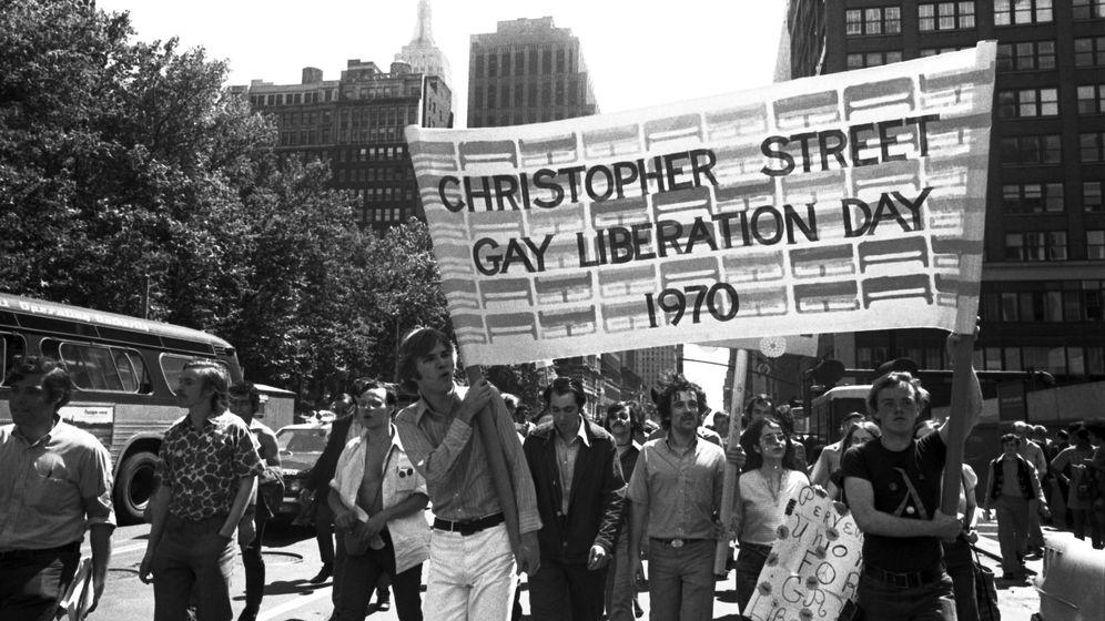 Foto: Primera manifestación del Orgullo Gay en Madrid. (Biblioteca Pública de Nueva York/Efe)