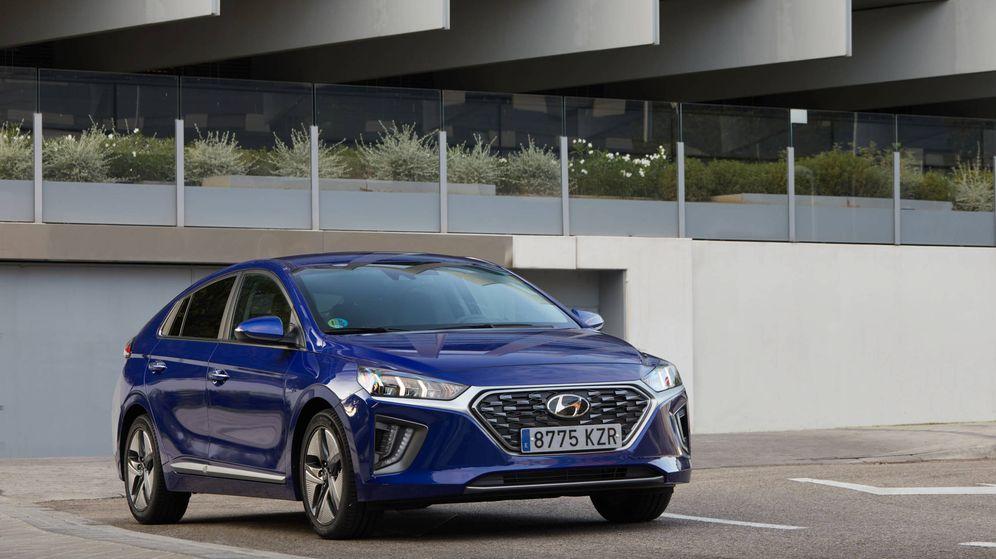 Foto: El Hyundai Ioniq ofrece en su gama versión híbrida, híbrida enchufable y 100% eléctrica.