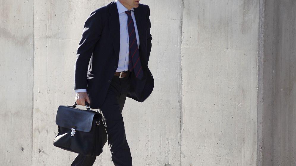 Foto: El exconsejero delegado del grupo Villar Mir Francisco Javier López Madrid, a su llegada a la Audiencia Nacional. (EFE)
