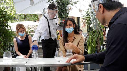 Casi 2.000 terrazas han sido multadas en Madrid desde su apertura en la desescalada