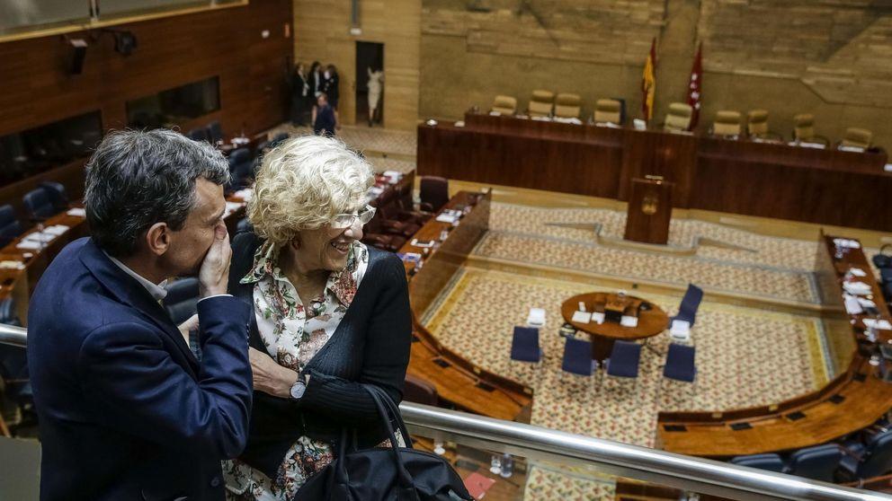 Carmena ahorrará 600.000 euros en el primer mordisco a la administración