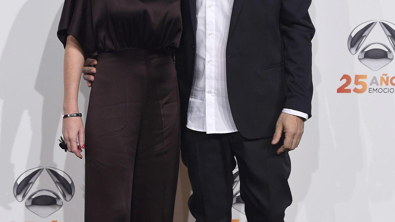 Foto: El presnetador Carlos Sobera y Patricia Santamaria durante le 25 aniversario de Antena 3 (Gtres)