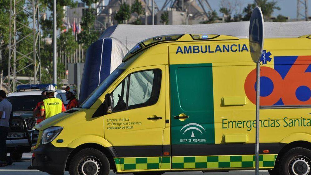 Foto: Un joven de 20 años muere en una piscina de Mairena del Aljarafe (Sevilla). (Emergencias Andalucía)