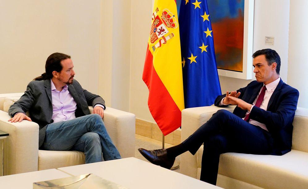 Foto: Imagen de Pedro Sánchez y Pablo Iglesias reunidos en la Moncloa. (Reuters)
